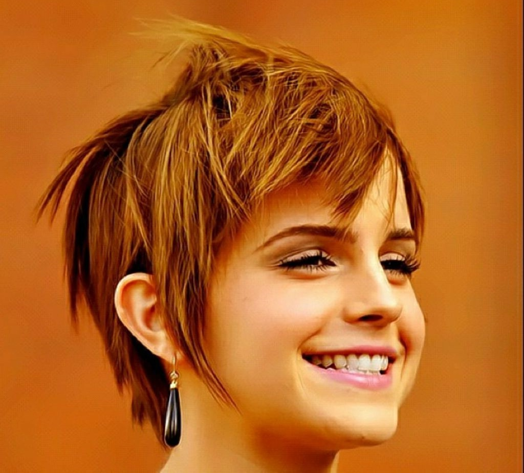 Model Rambut Pendek Wanita Untuk Rambut Mengembang